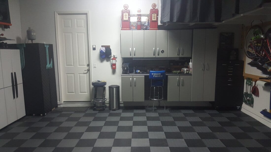 Garage with TrueLock Diamond Tiles