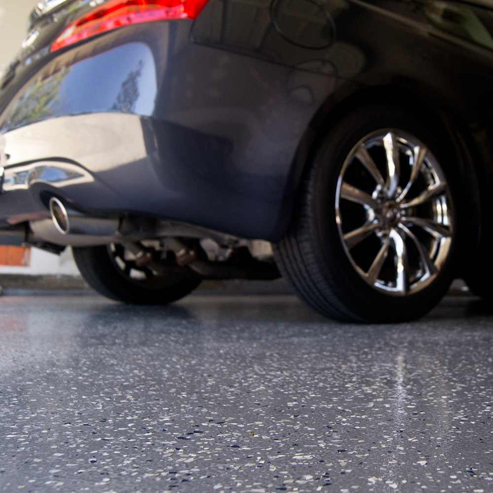 Garage Floor: B307 Flake, Gray and Clear