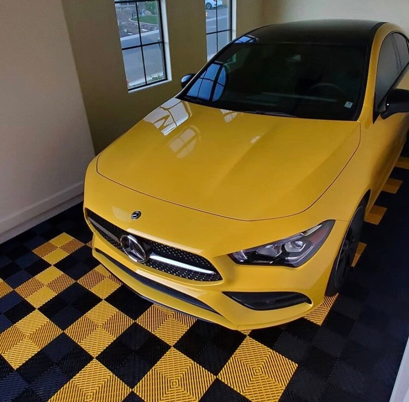 Black and Yellow ribbed tiles with Yellow Mercedes Benz