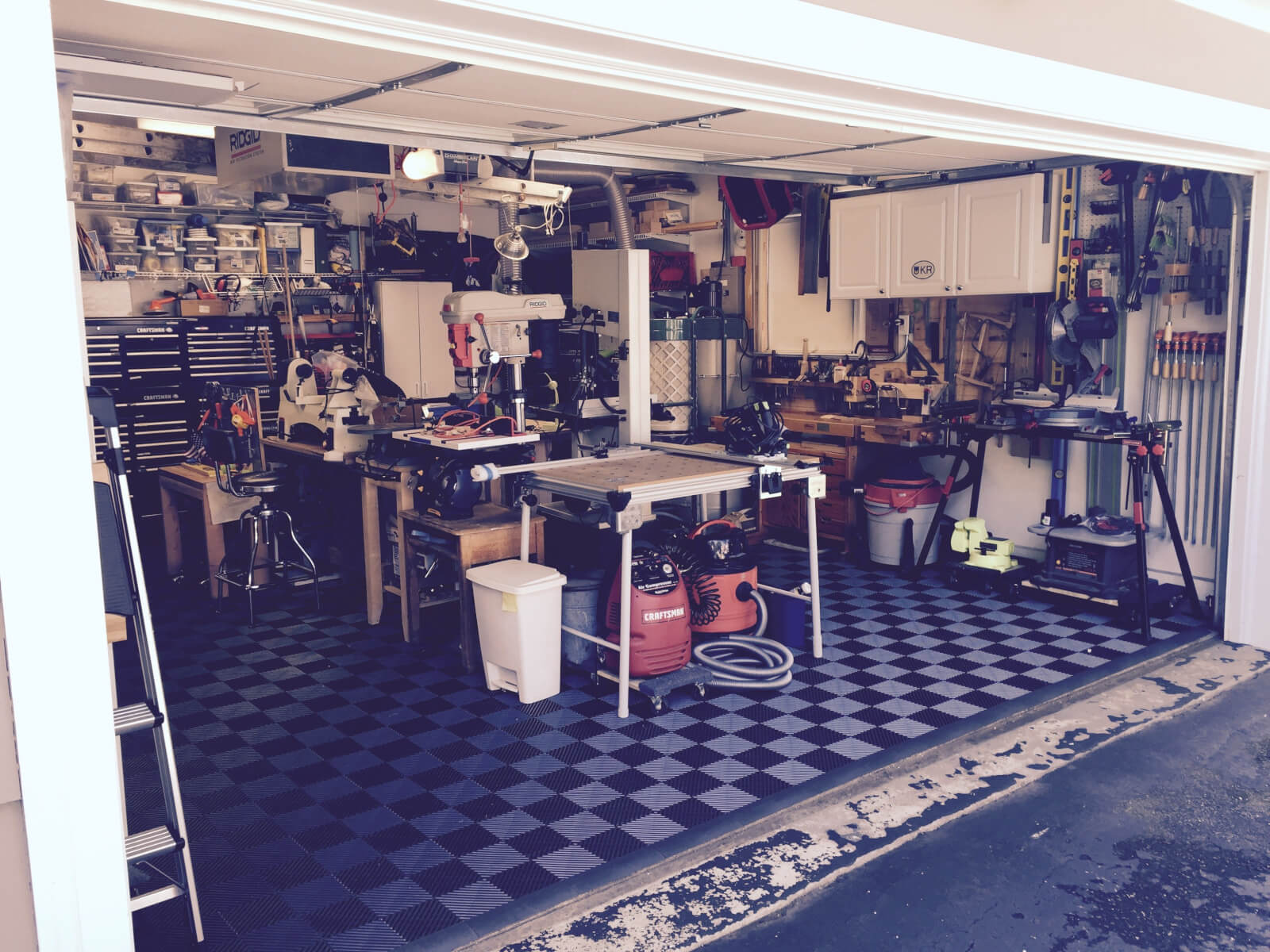 How many garage floor tiles do i need bohdens before and after dailygadgetfo Gallery