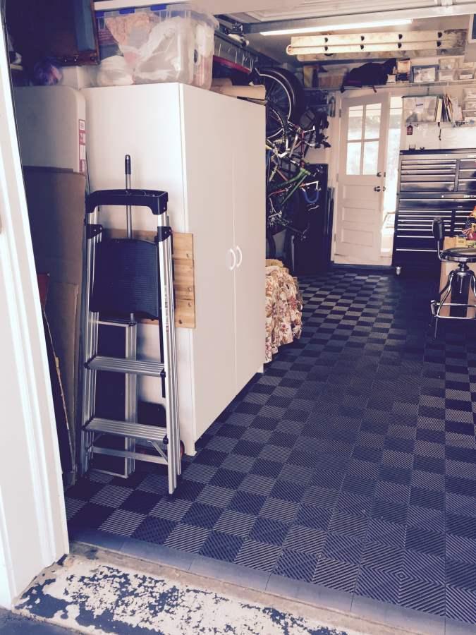 Bohdans Workshop Floor Using Hd Ribbed Flow Through Tile