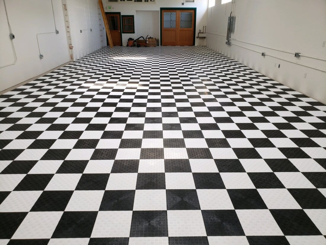 Black and White TrueLock HD Diamond Tiles