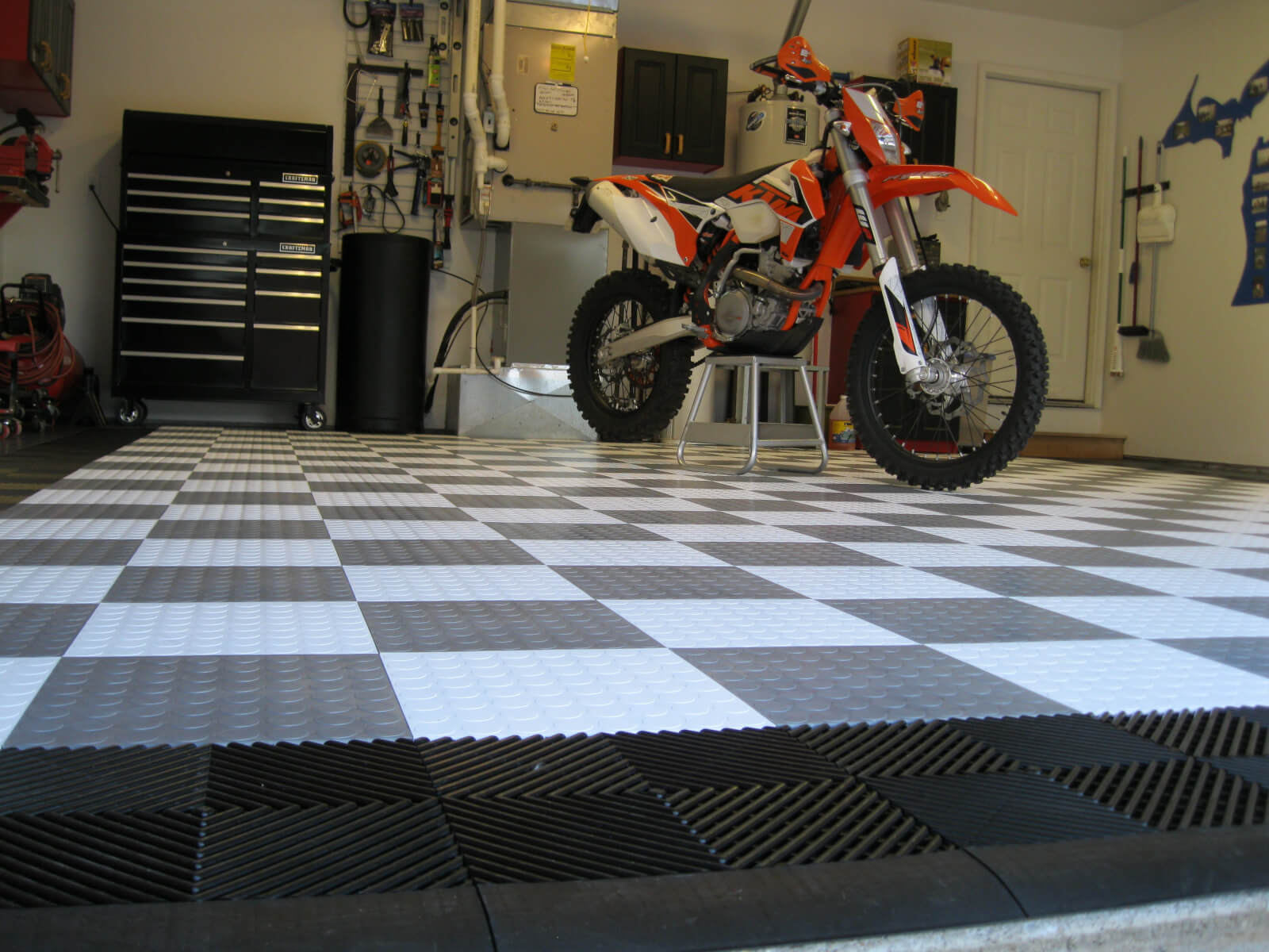 this to and herringbone of transition inspirational lovely garage black tiles floor striking used tile laminate were create interlocking pattern red