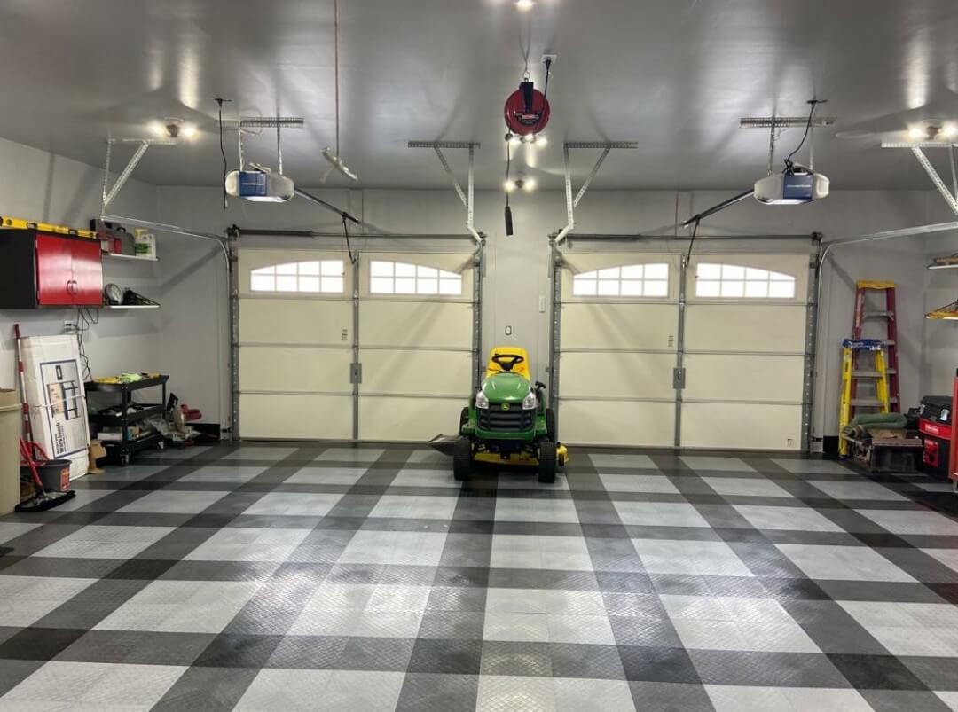 Racedeck Diamond Tiles with Lawnmower
