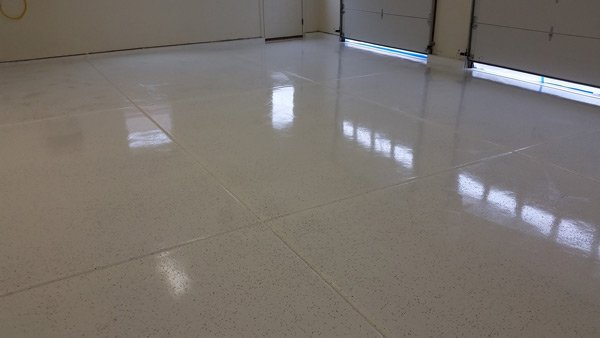 White Garage Floor Coating Rust Bullet With Flake B516