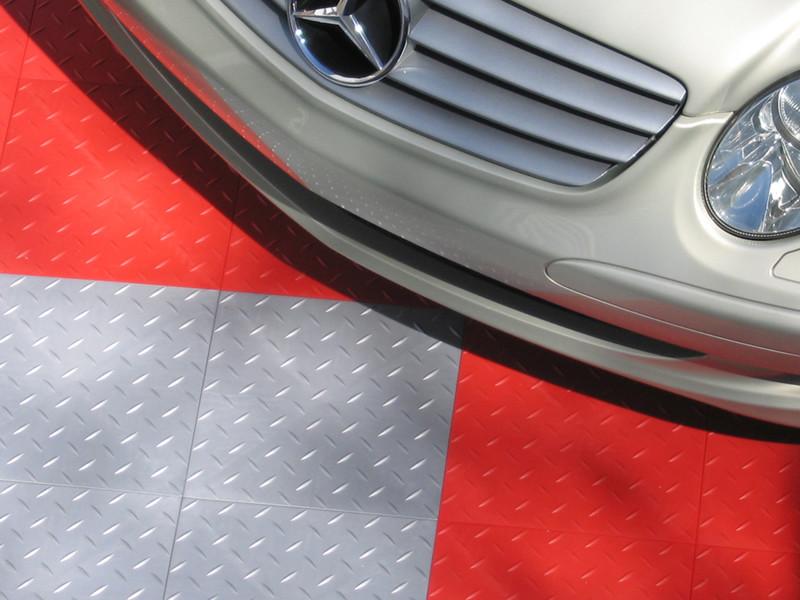 AutoDeck Interlocking Garage Floor Tiles